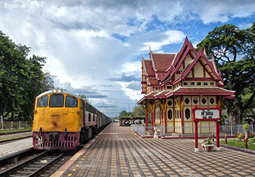 thailand-cha-am-and-huahin-train-city-break